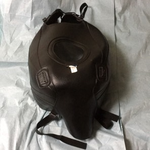 ドカティ900SS用バグスタータンクカバー