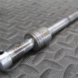 CB125K CB125 フロントアクスル15Φ 全長128mm 17A24