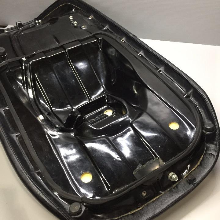 スカイウェイブ250 <CJ45A> 社外シート キルティングデザイン