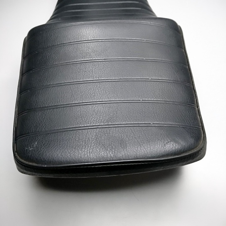 XJR1300シート シート表皮張替え済み