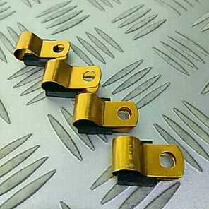 汎用 ホースやワイヤーなどのクランプ 金