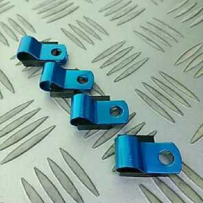 汎用 ホースやワイヤーなどのクランプ 青