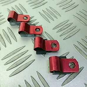 汎用 ホースやワイヤーなどのクランプ 赤