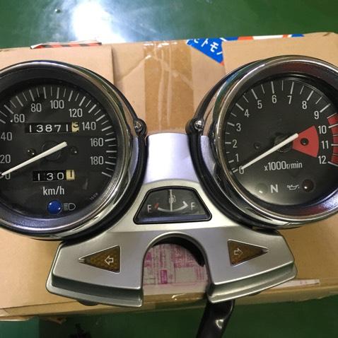 ゼファー1100メーター
