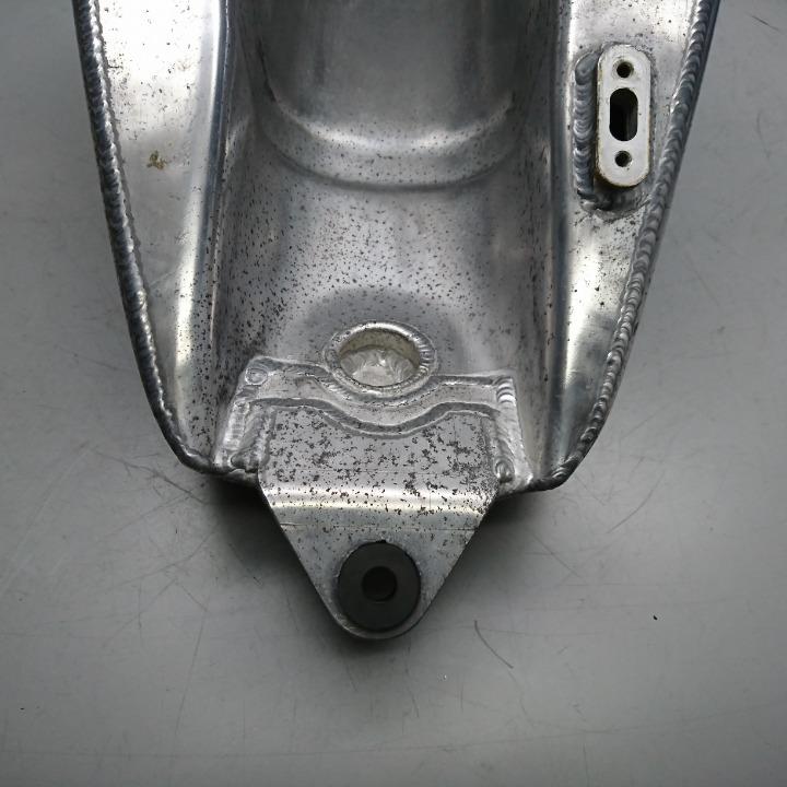 TW200 TW225 社外 アルミタンク ブラケット無