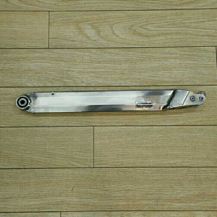 R-style BMW 水冷Rシリーズ用チタン・ローダウン・トルクロッド