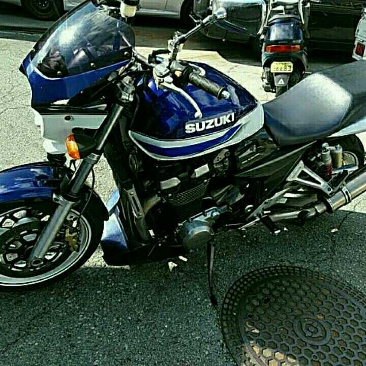 スズキGSX1400       13年モデル検査32年5月残り