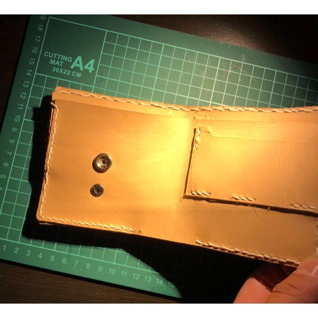 コインケースが外せる⁉️ハーフウォレット、二つ折り財布