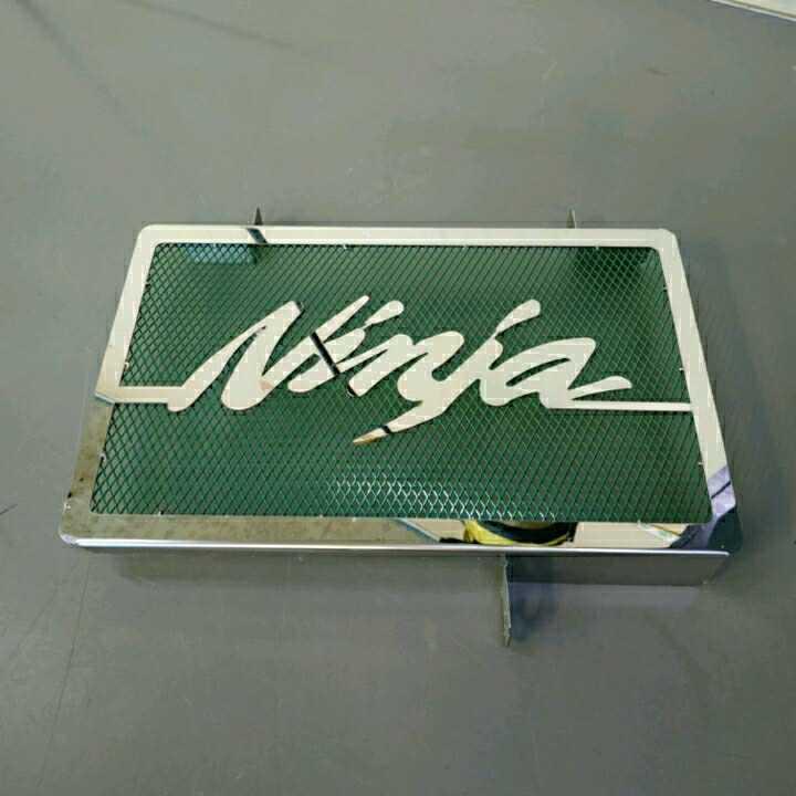 Ninja250SL ラジエターカバー 緑