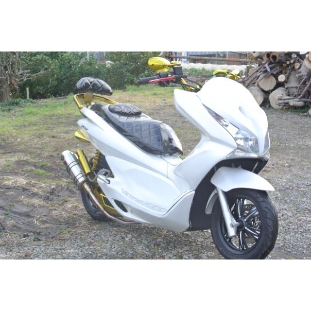 【HONDA PCX125】ホワイト×ゴールドカラー!!大人気カラーフルカスタム!!