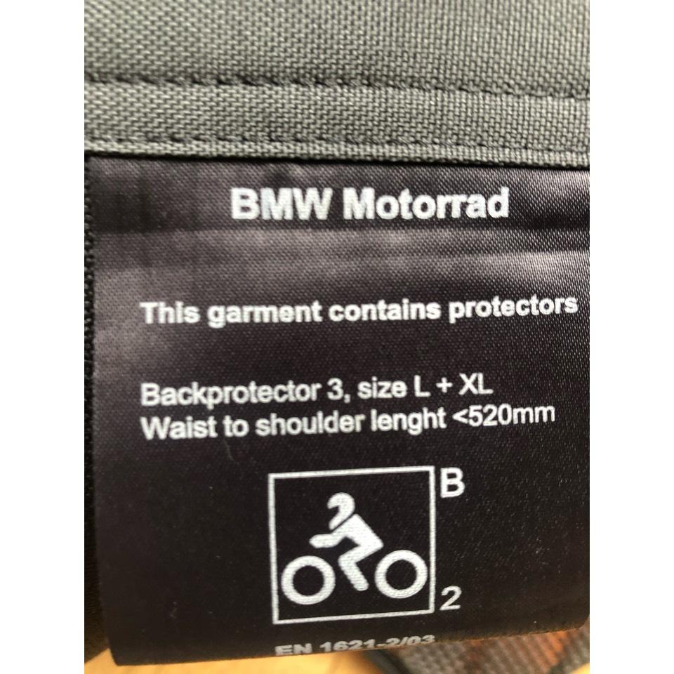 BMW純正バックプロテクター