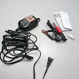 ハーレー純正 バッテリー充電器 99820-09