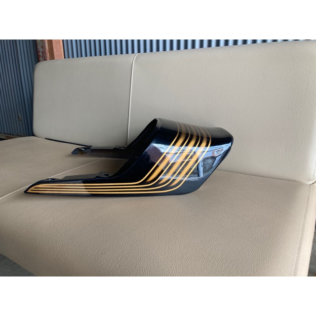 XJ400D/E純正テール