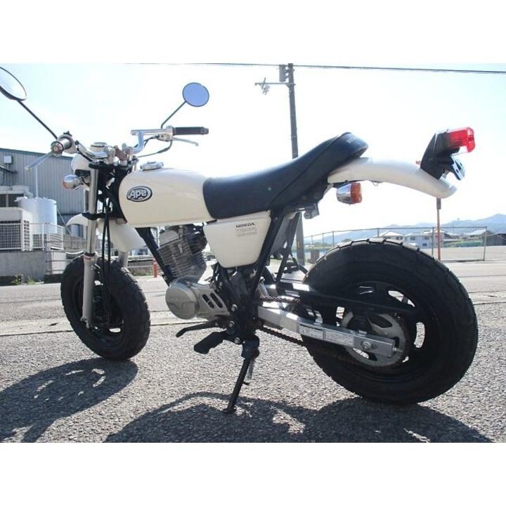 Ape50  CLASSICAL WHITE (AC16) 3368KM 2006MODEL
